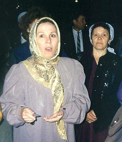 Fauzia Bayramova. Kazan, August 1997. Near hotel Tatarstan. Night picket against Tatarstan government during Second World Tatar congress.